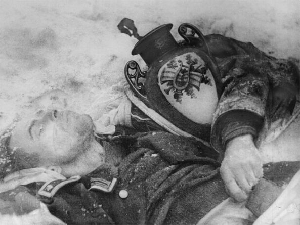 ¿Que es el Genocidio del Pueblo Soviético? - Página 6 Zverstva-fawistov-navorovalsa!